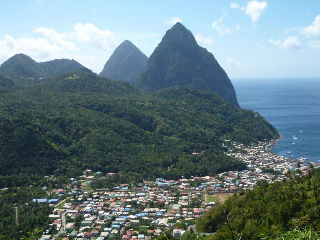 =donde se encuentra islas santa lucia?