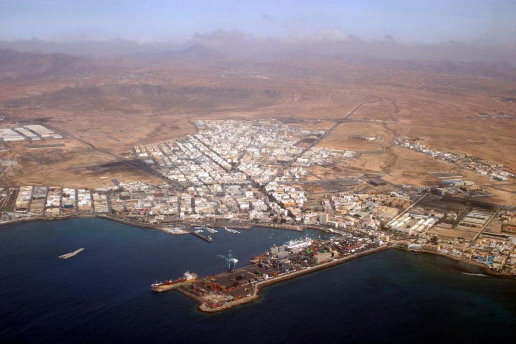 En la década de 1960, numerosos majoreros se mudaron a diferentes islas