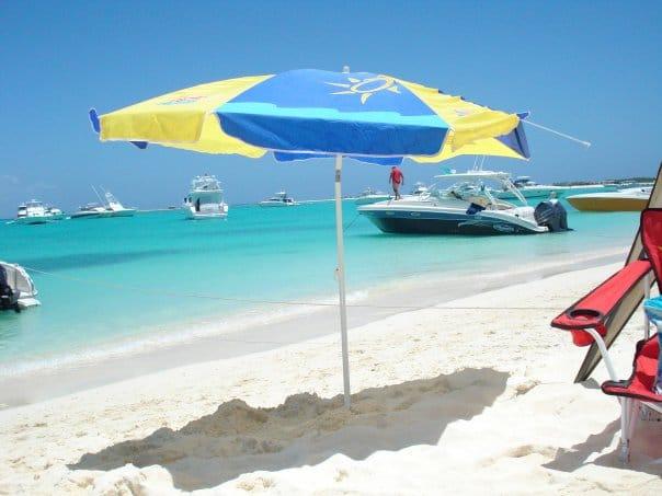 economía y turismo de la isla la tortuga